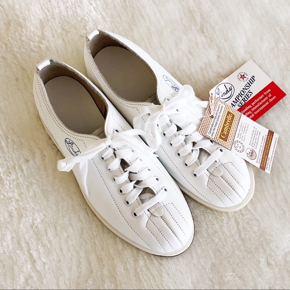 Linds Shoes - NWT Linds Cambrelle Bowling Shoes Size 5